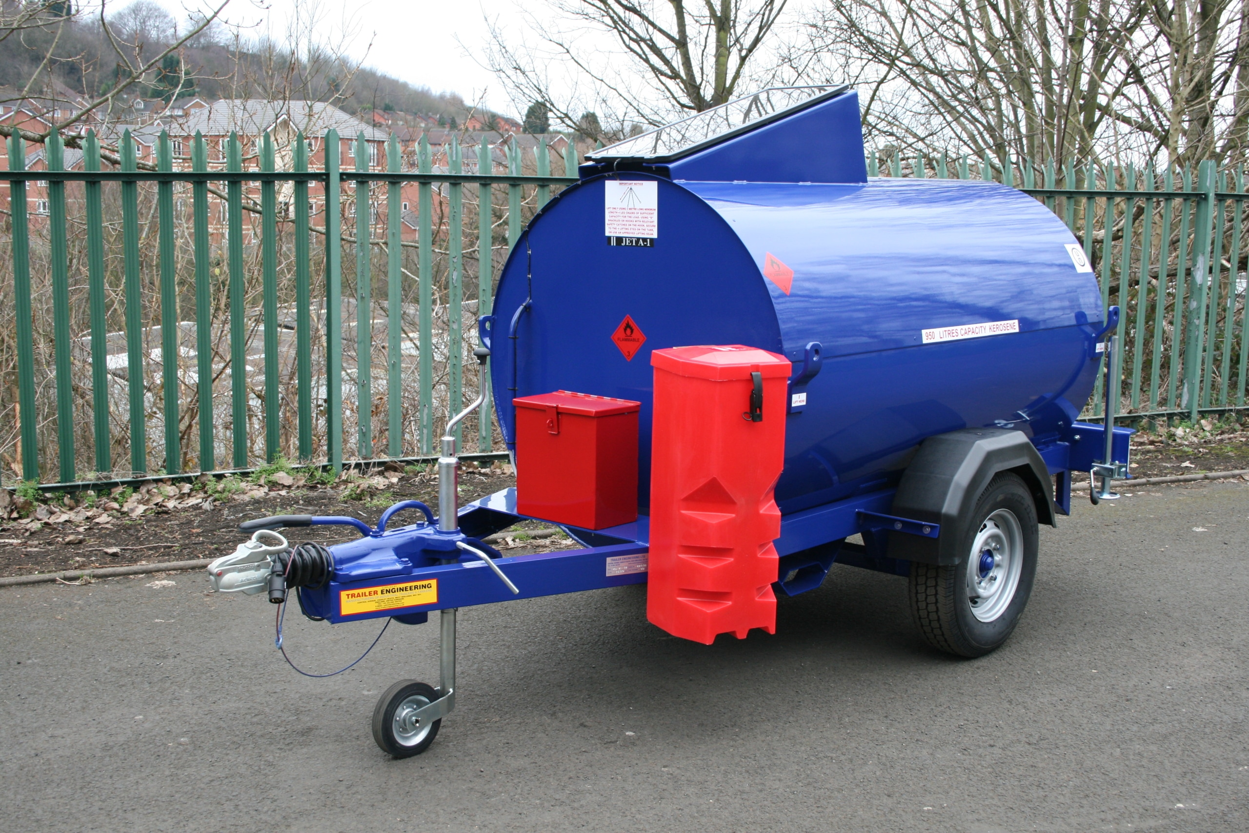 JetA1 fuel trailer with solar panels
