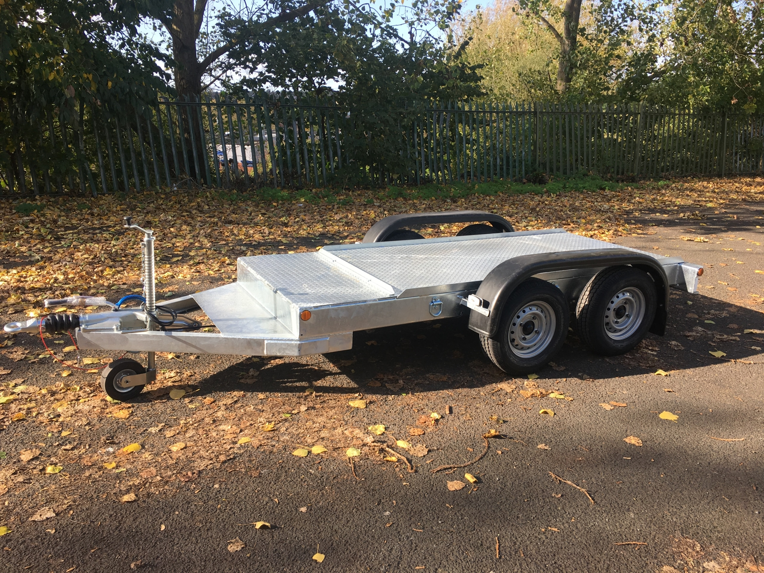 Polycube flatbed trailer