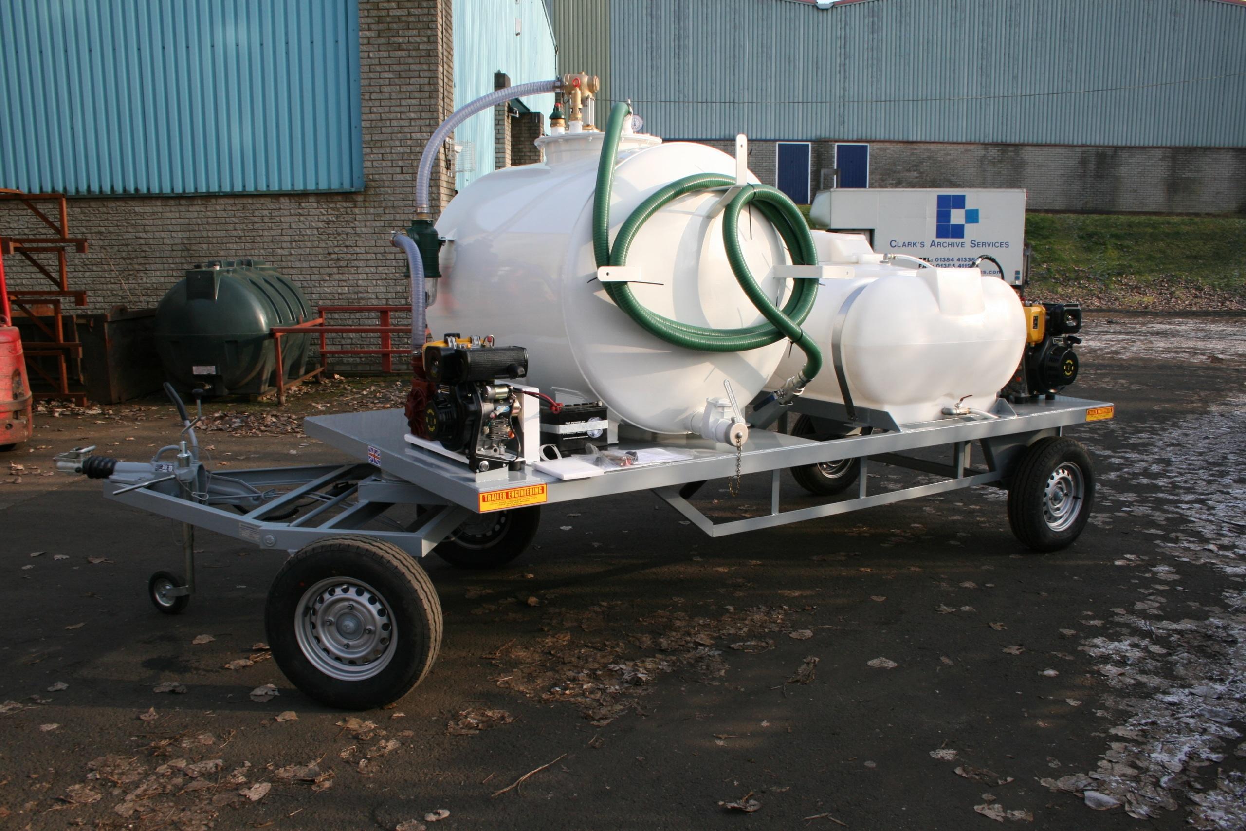 Derishbourg pressure washer waterbowser vac tanker