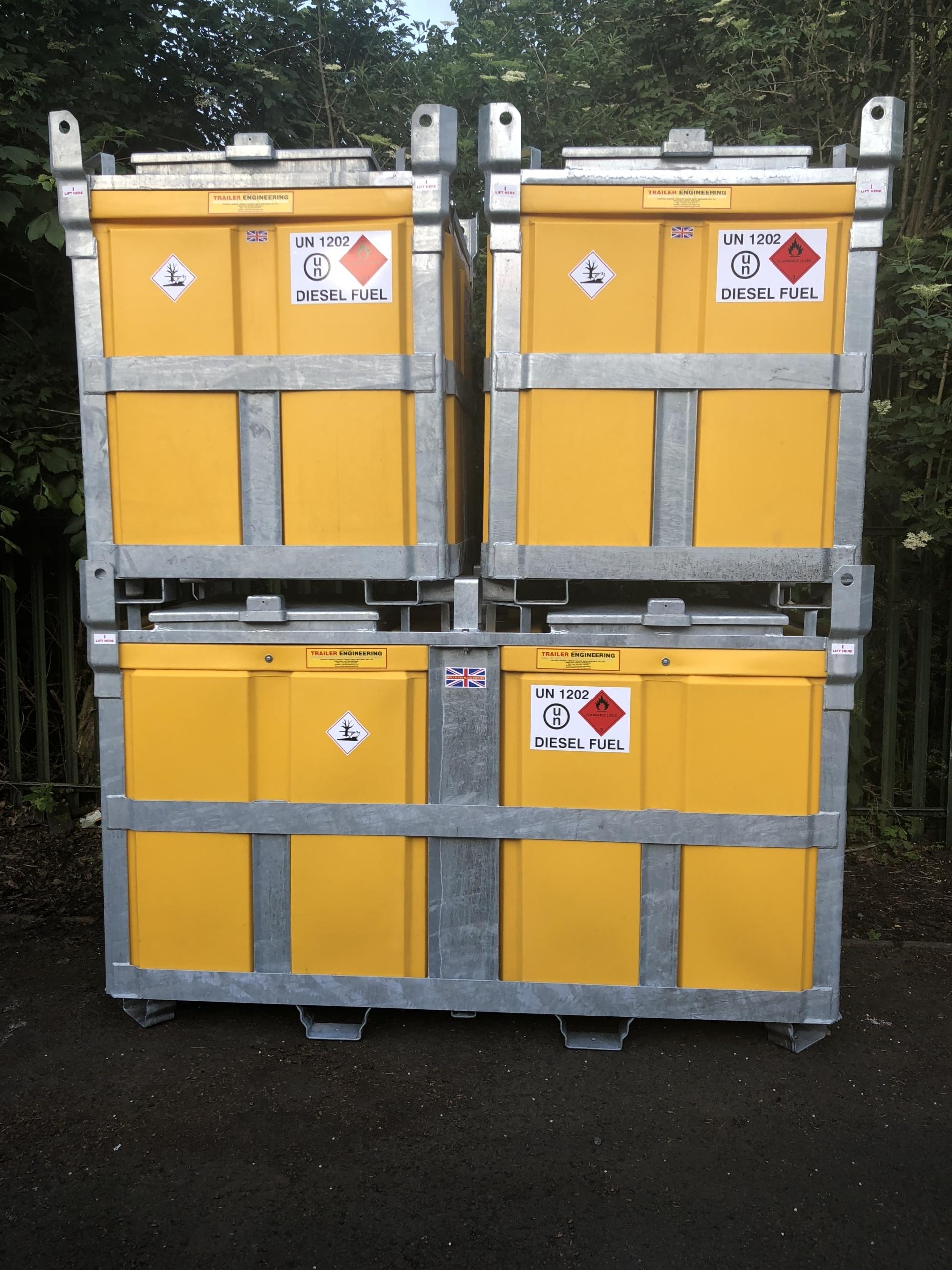 2000 litre Diesel fuel cube with 950 litre Diesel fuel cubes