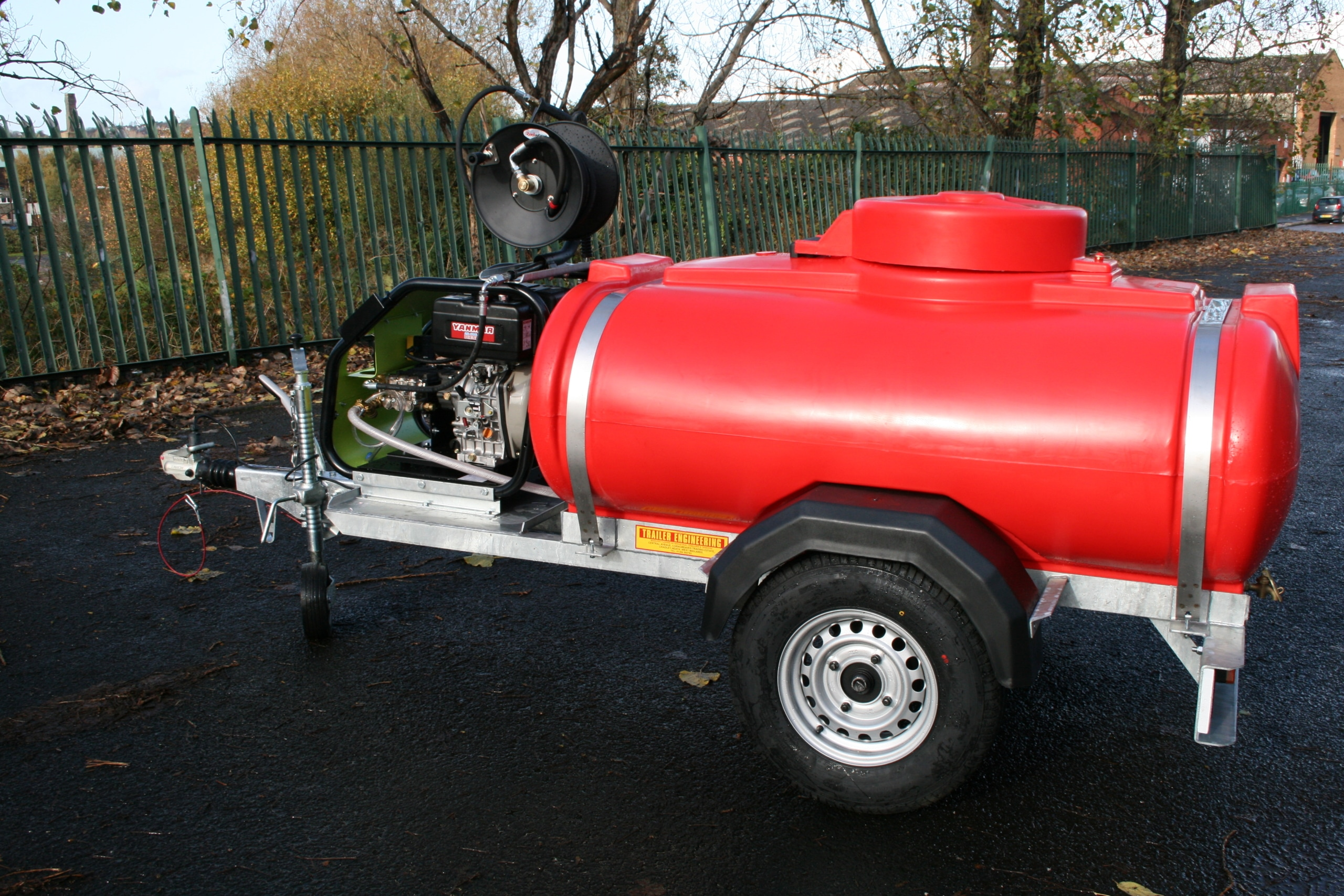 1125 litre water bowser with pressure washer
