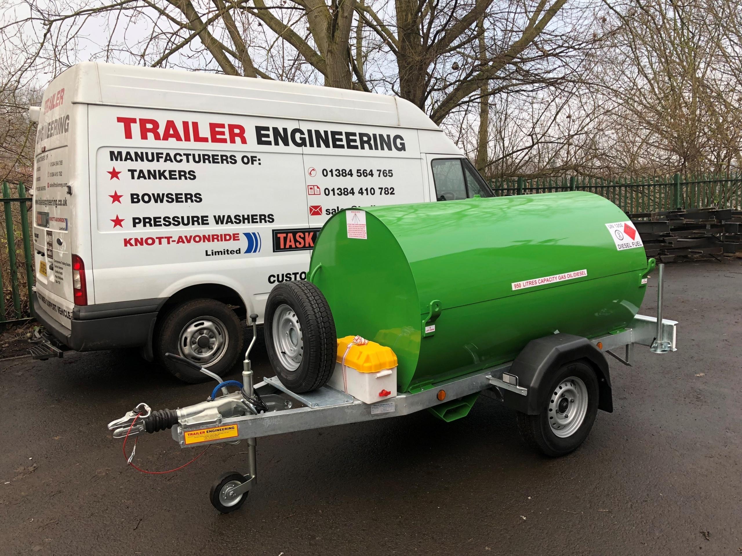 Green 950 Litre Fuelbowser