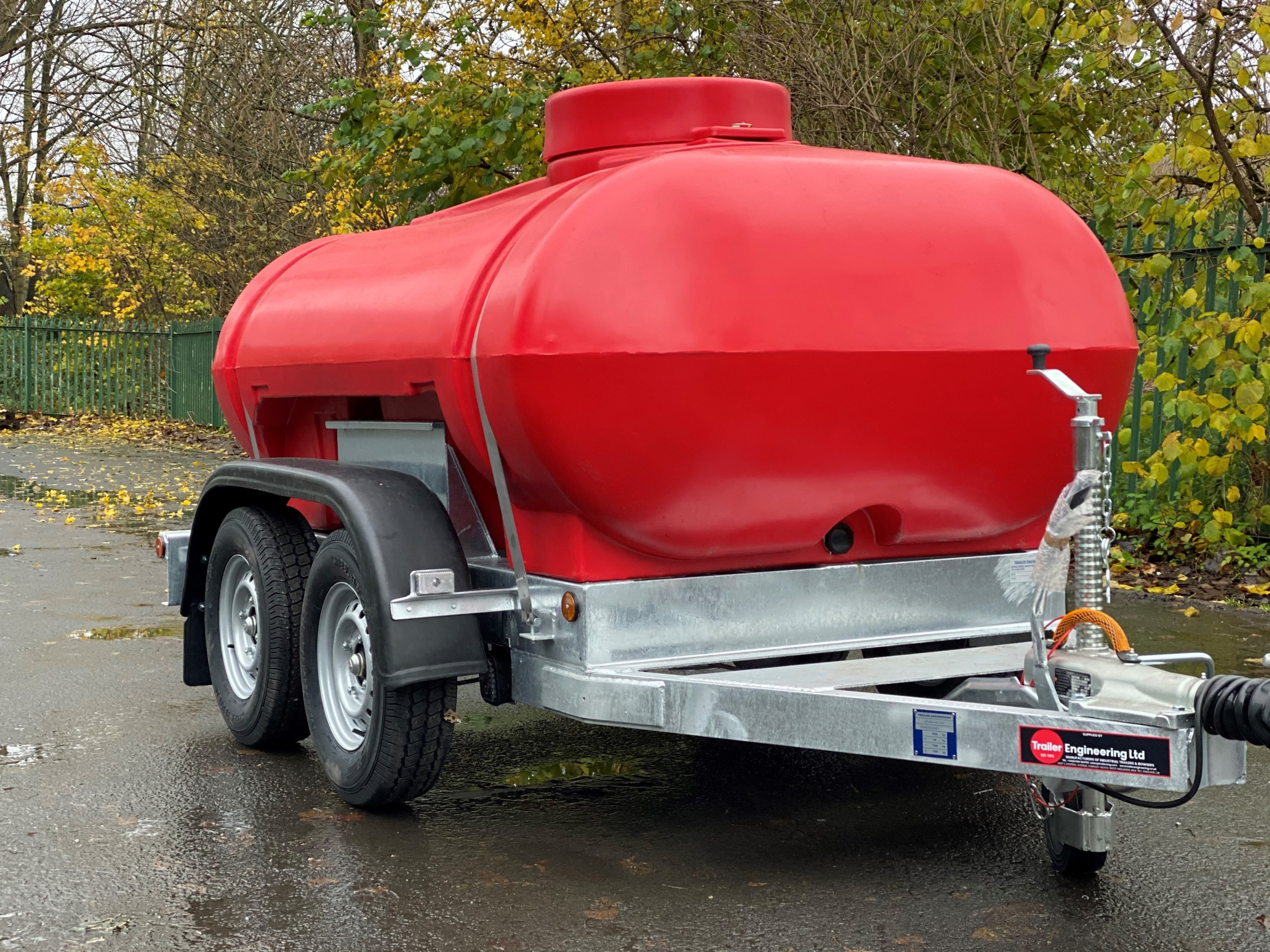 Red Twin Axle 2000 Litre Water Bowser