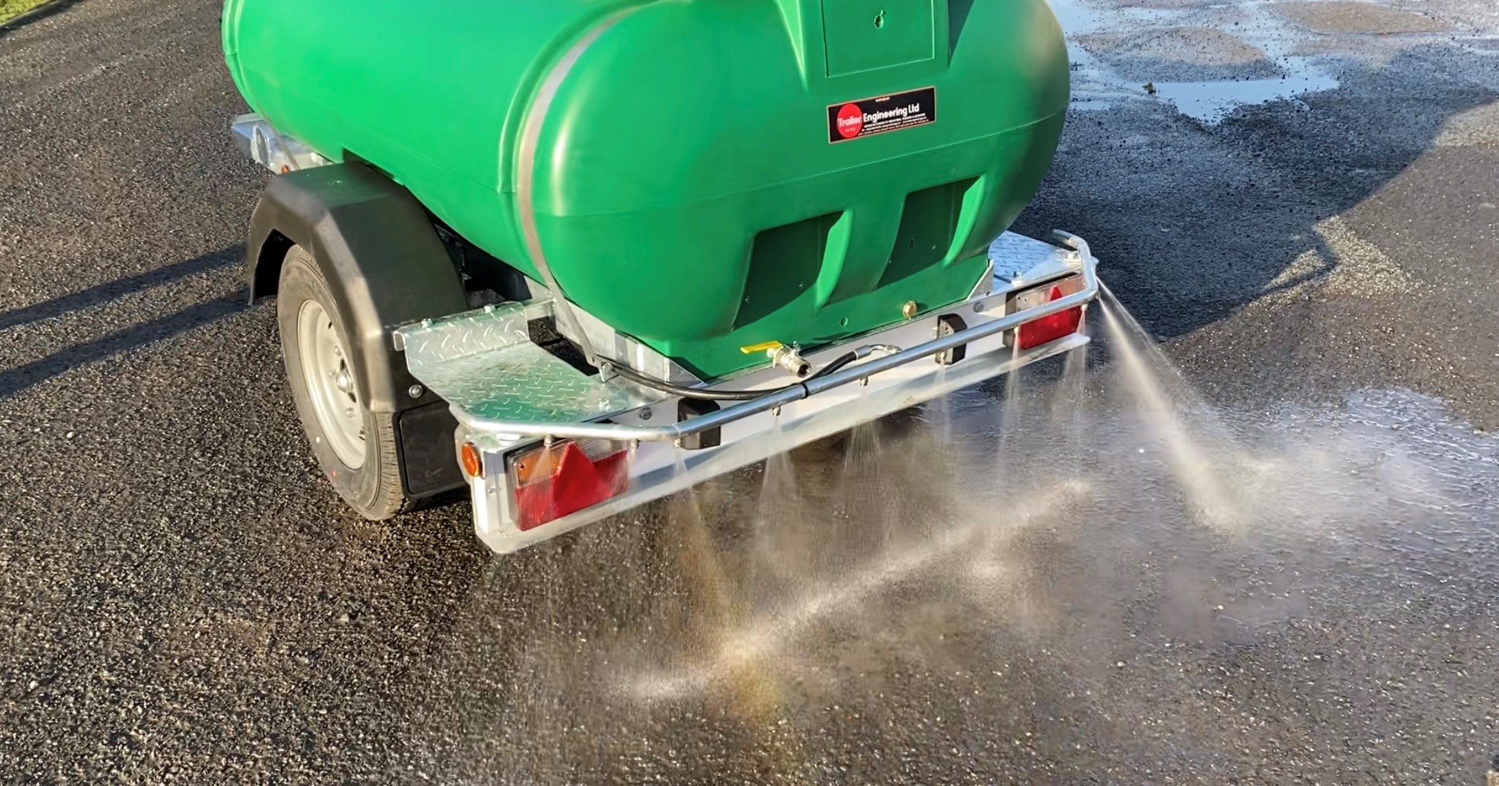 Water Bowser With Spray Bar For Dust Suppression