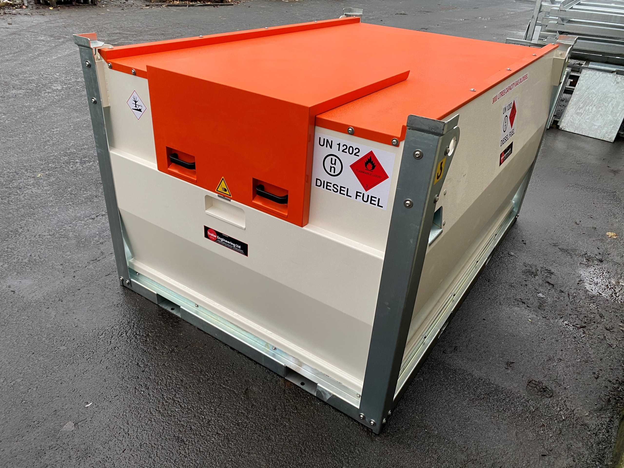 Lockable 3000 Litre Fuel Cube